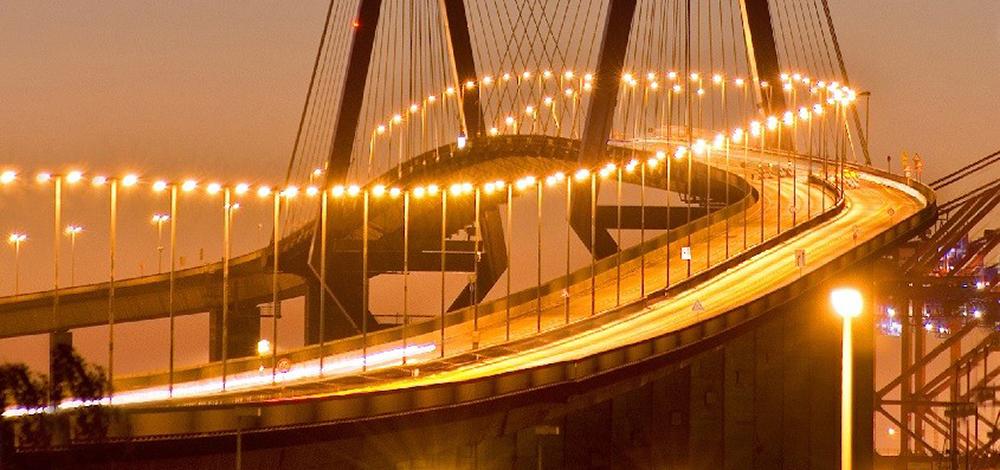 Transport von Containern in und um Hamburg, Nah- und Fernverkehr